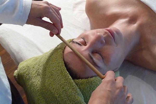 home-massage-pierre-chaude-Kobido-pause-vitale-2